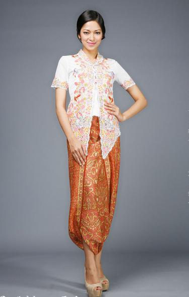 Sekarang Ini Sudah Banyak Ragam Model Baju Kebaya Simple Nan Modis