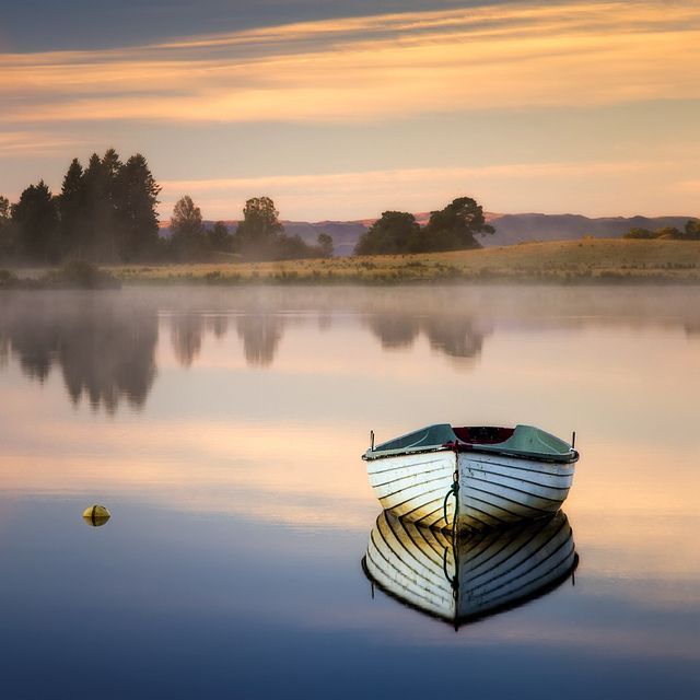 All sizes | Loch Rusky, 1st day of Autumn, via Flickr.