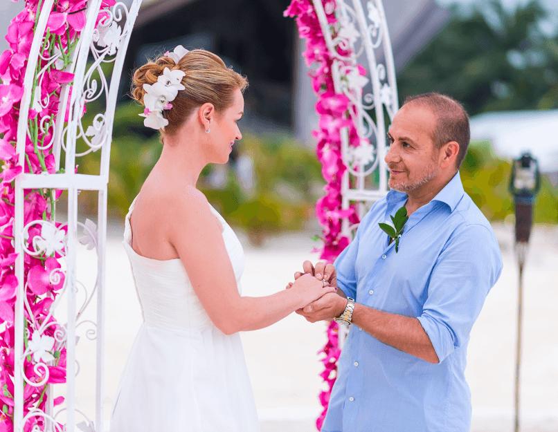 Alarm Fur Cobra 11 Star Erdogan Atalay Blitz Hochzeit Im Urlaub Hochzeit Braut Heiraten