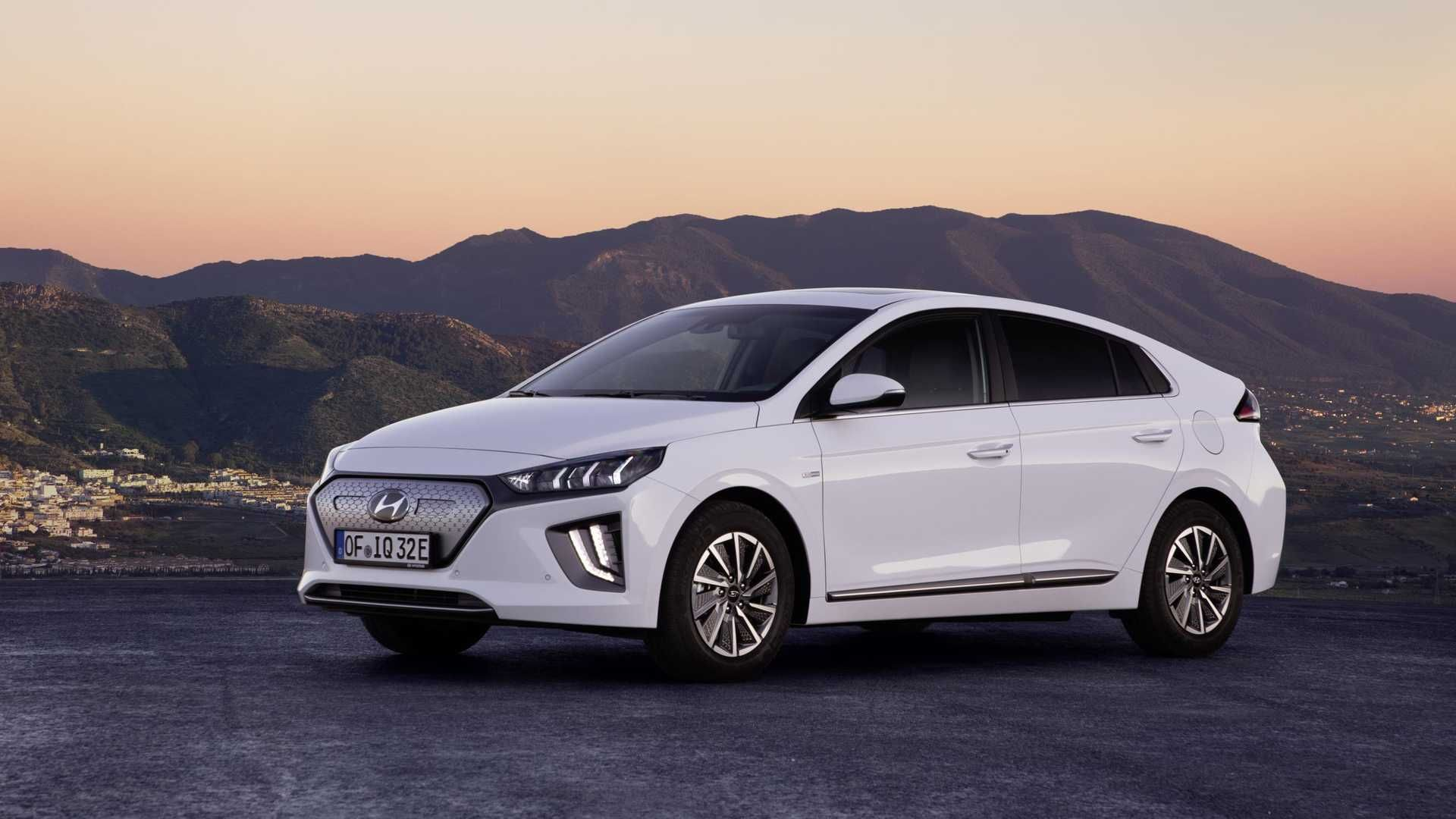 Everything We Know New Hyundai Ioniq Electric Including Price June 2019 184m Range In 2020 New Hyundai Hyundai Electricity