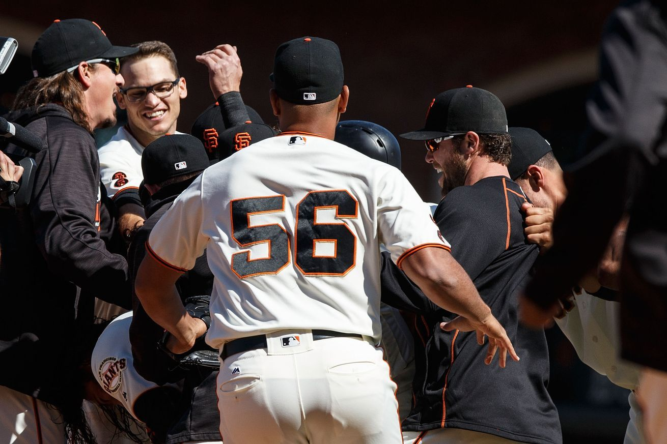 Giants complete the sweep against padres walk off in