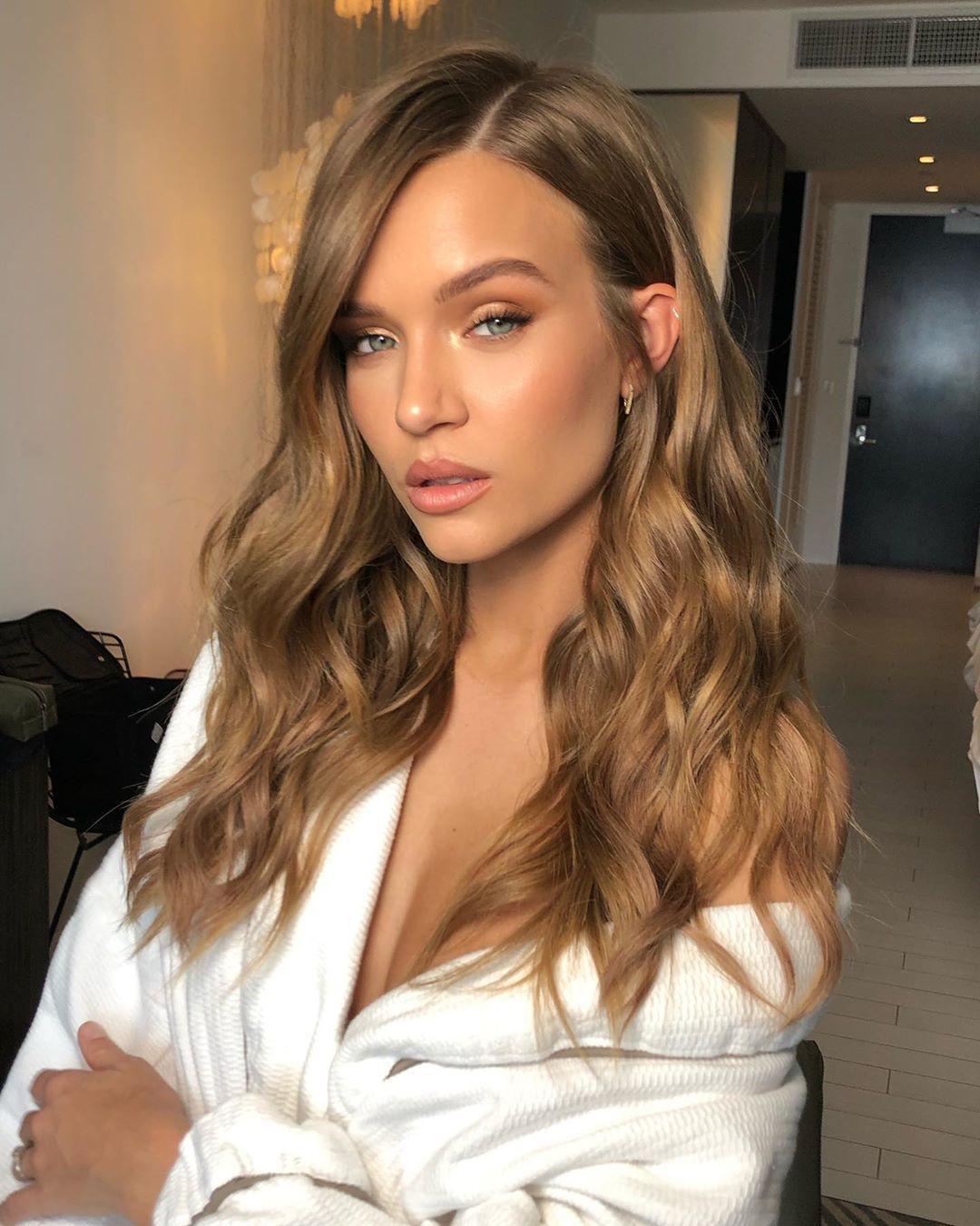 Blonde Haare: Glasblond ist die natürliche Trend-Haarfarbe 2020