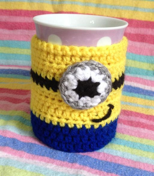 PATTERN - Despicable Me Minion Cup Cosy / Mug Hug Crochet Pattern ...