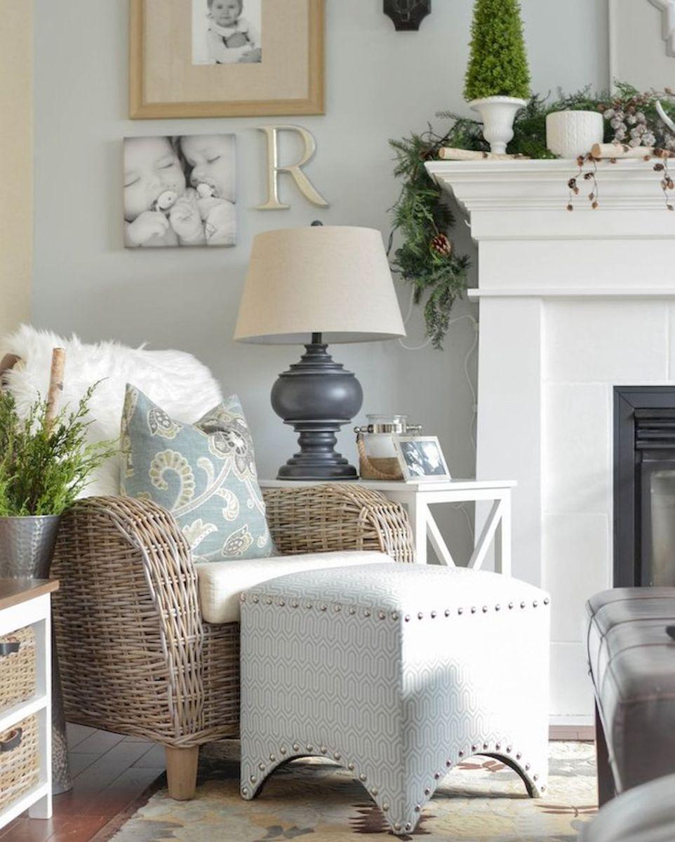 Beautiful Coastal Themed Living Room Decorating Ideas To