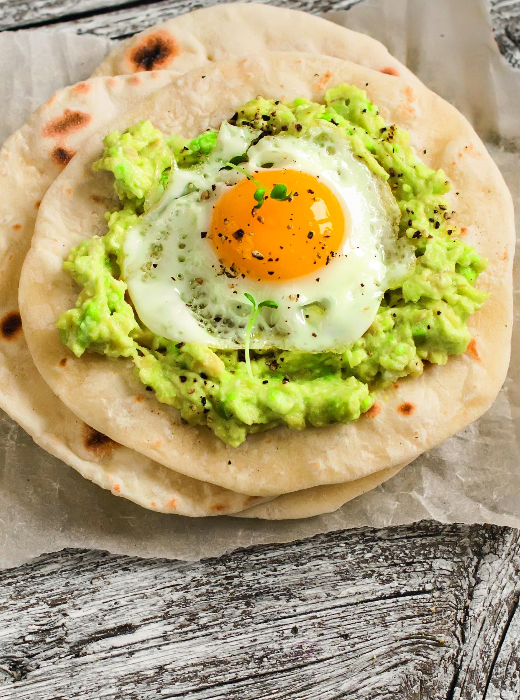 Hum... esse taco com ovo e guacamole está irresistível