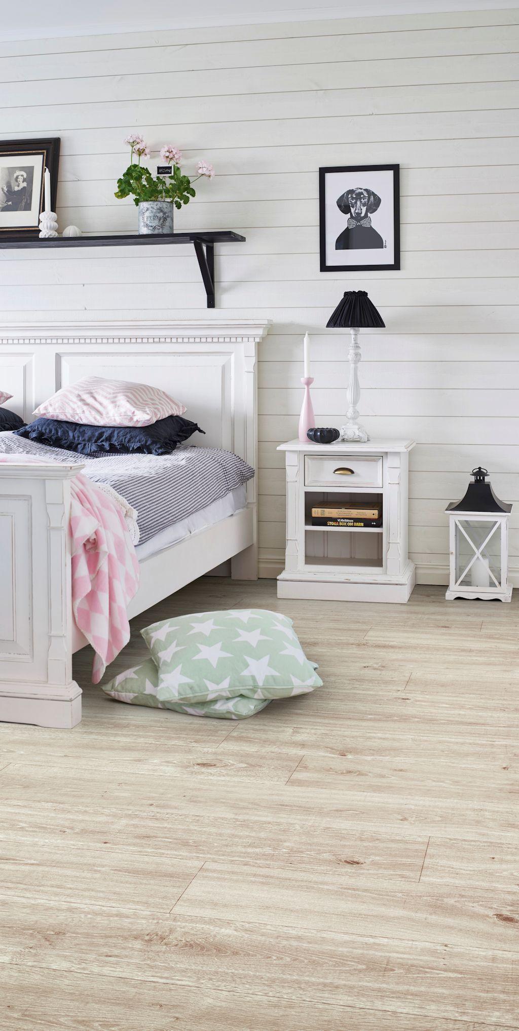 Bedroom featuring Secura PUR luxury vinyl sheet flooring