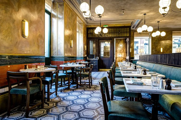 The Ivy S Covent Garden Spin Off Pairs Upmarket Heritage With Greater Accessibility Covent Garden Ivy Market Grill Restaurant Design