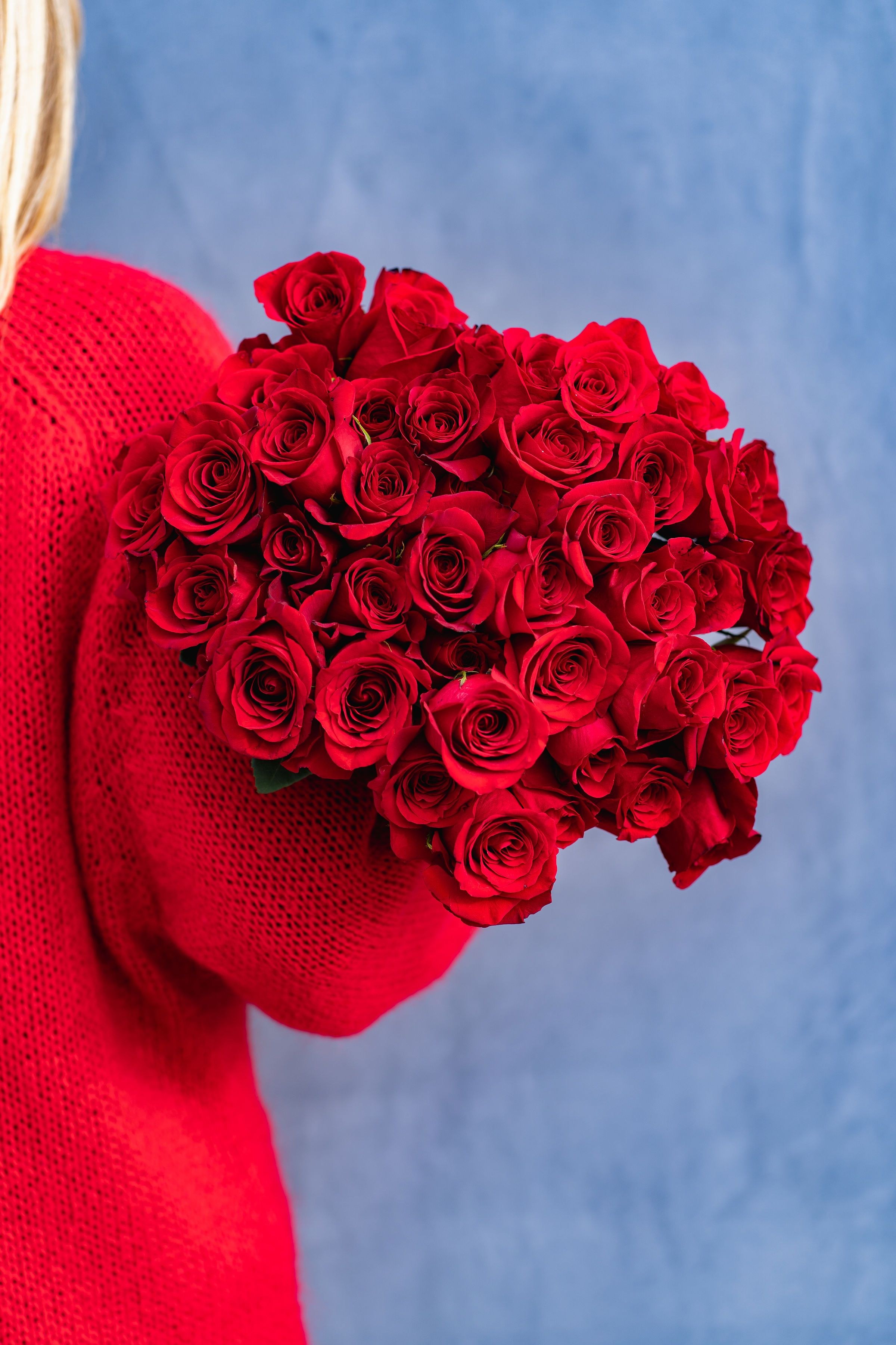 Two Dozen Romantic Red Roses Red Rose Arrangements Valentines Flowers Flower Delivery