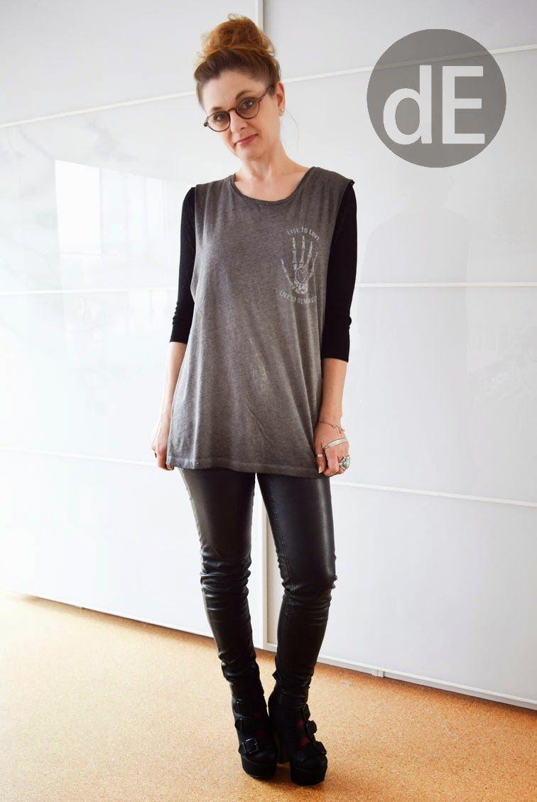 Rockig mit T-Shirt und Lederhose – Outfit