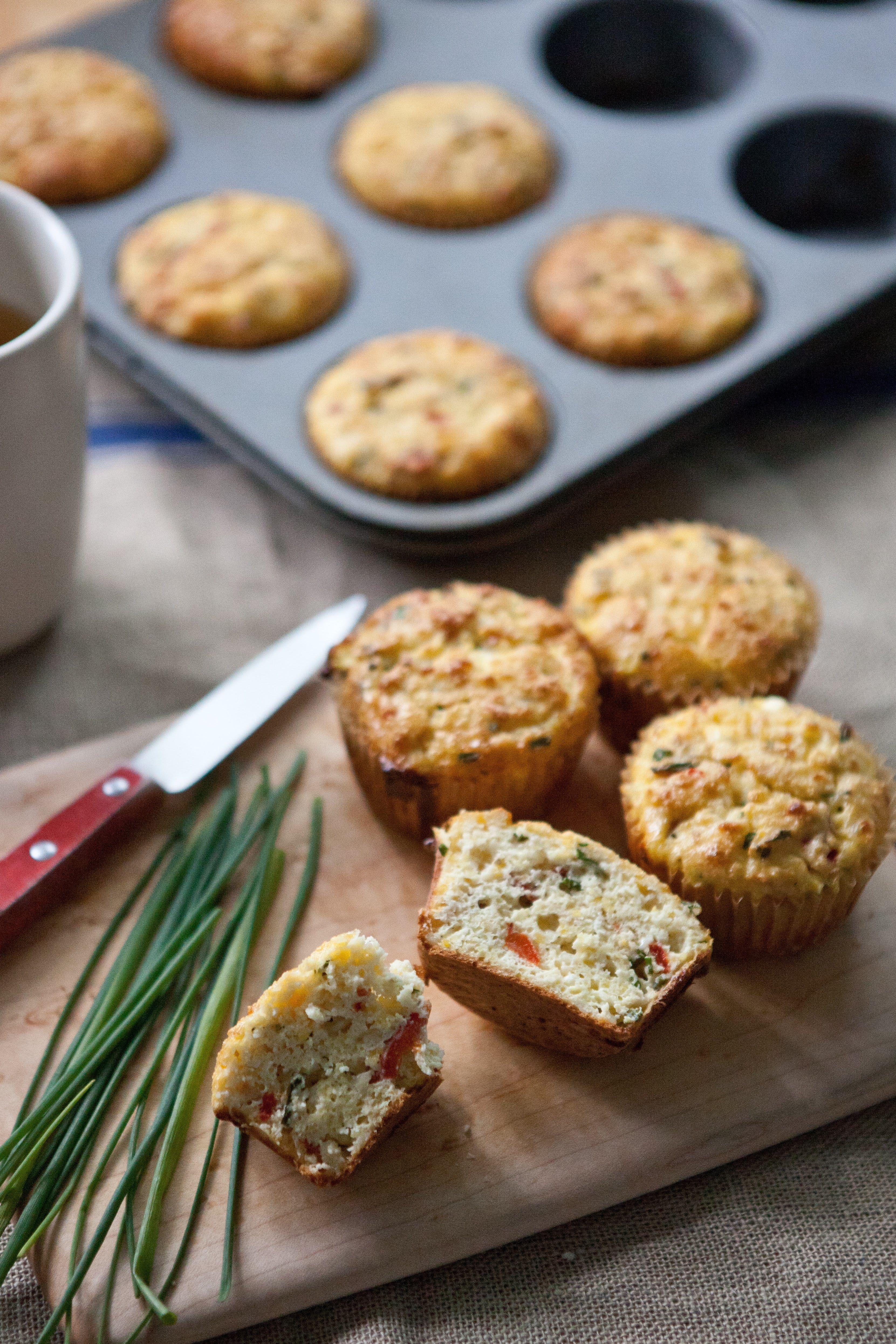 cornmeal muffins with roasted red peppers and feta recipe am a rh pinterest fr