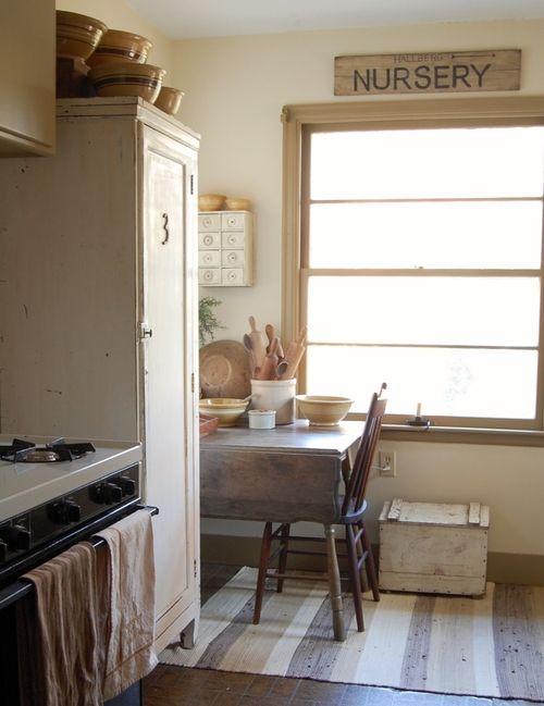 Küche Und Esszimmer, Rustikale Küchen, Landhausküche, Traumküchen, Küchen  Rustikal, Weiße Küchen, Schlichte Küchen, Primitive Homes, Primitive  Volkskunst