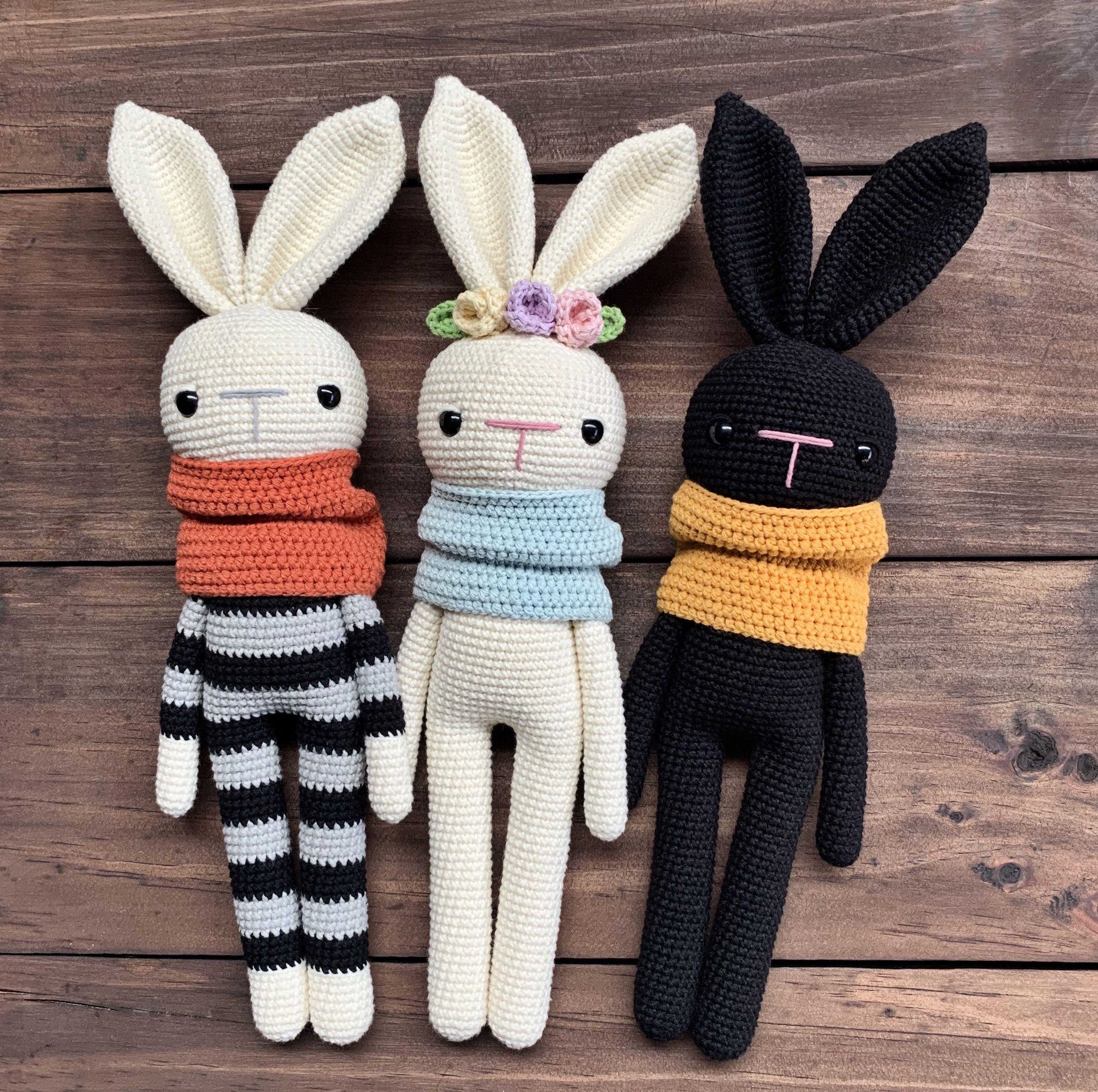 Maximiliano, Merlina y Morgan, patrón de crochet e