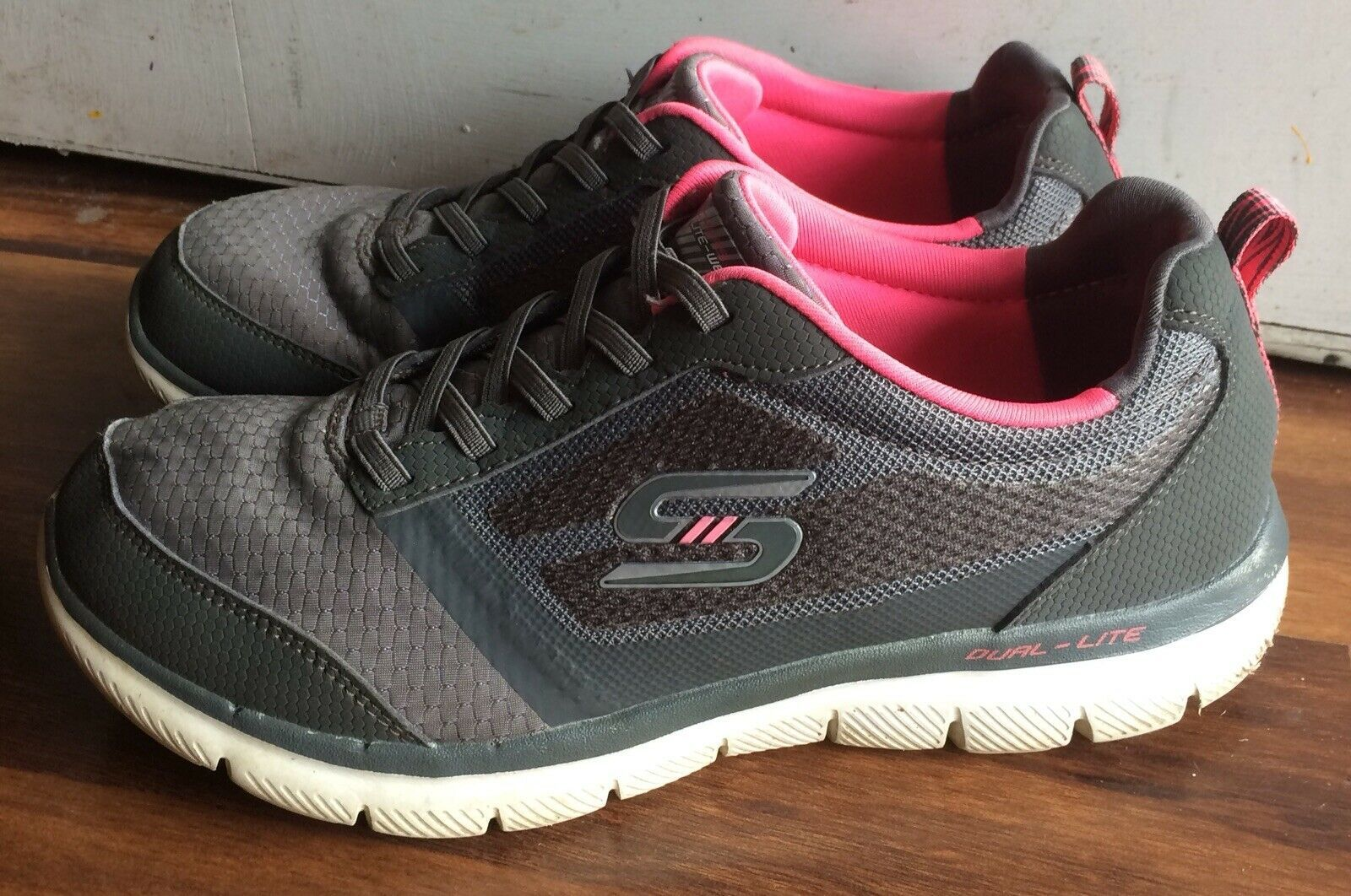 Sketchers Youth Tennis Shoes Memory