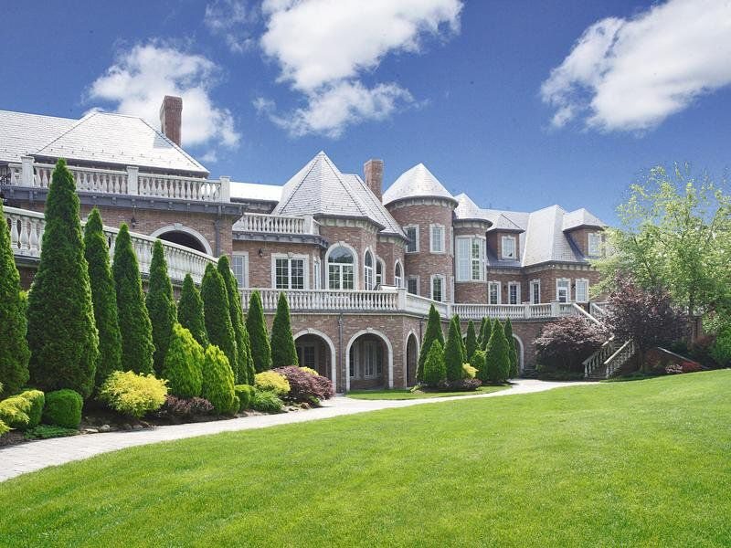 Most beautiful homes top ten most beautiful houses in for Top 10 luxury homes