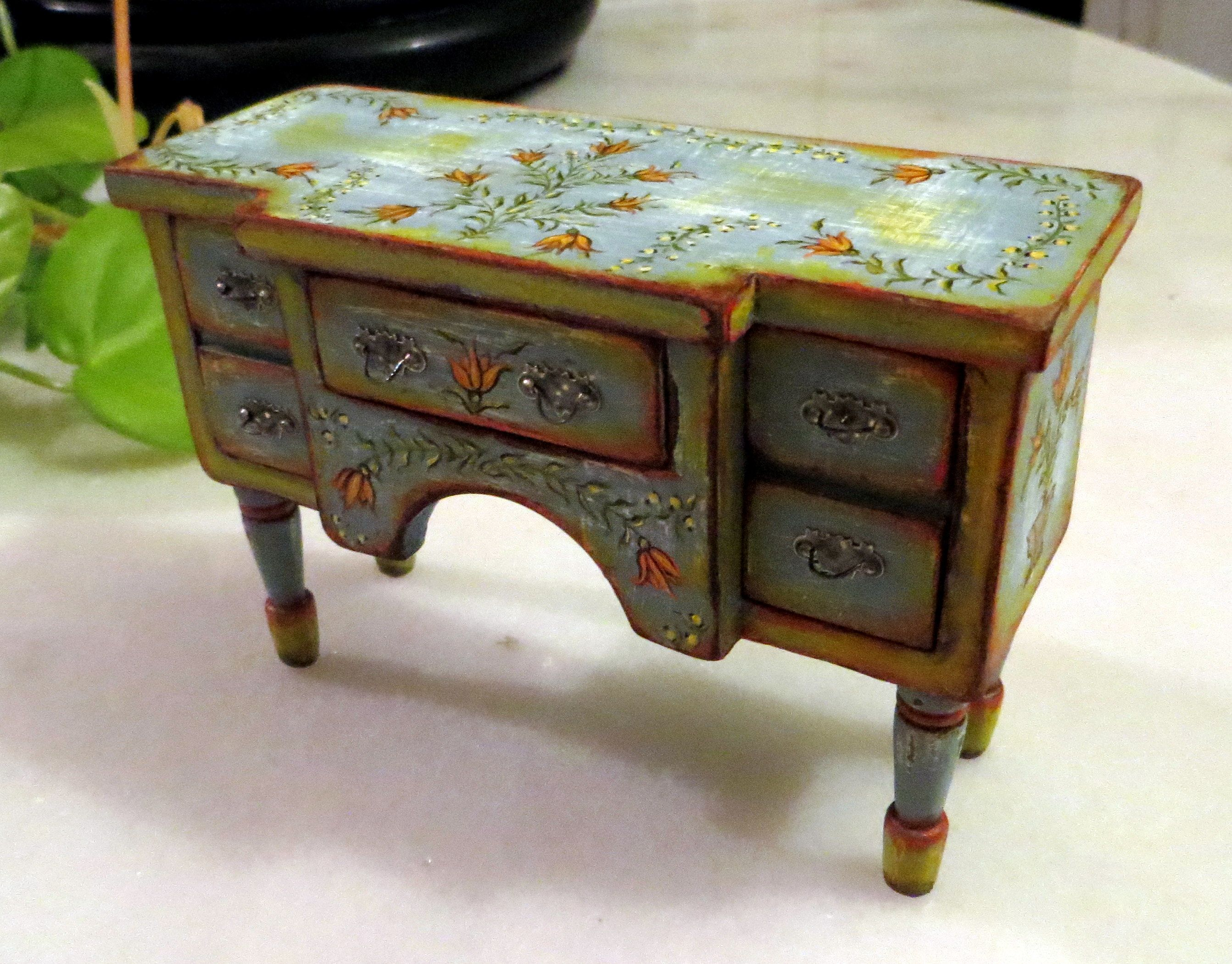 dollhouse furniture 1 12 scale. hand painted dollhouse furniture 112 1 12 scale l