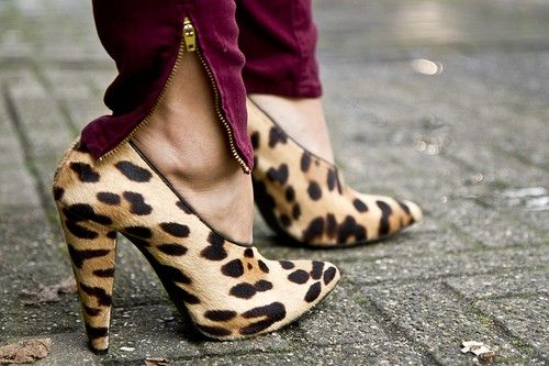 leopard heels...super cool berry colored skinnies!