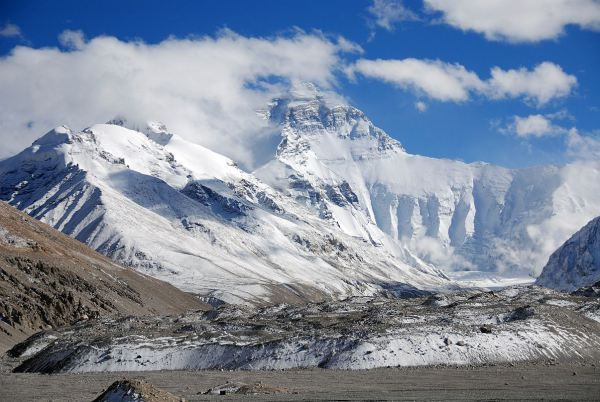 Height: 18,523ft Duration: 15 Days Difficulty Level: Challenging Best Season: February to June, September to November