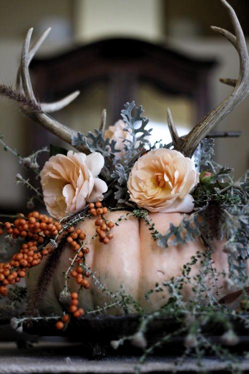 25 atemberaubende Thanksgiving Mittelstücke und Tischinszenierungen #table #centerpieces #centerpiece #wedding #tabledecoration #greenery #rustic #romantic