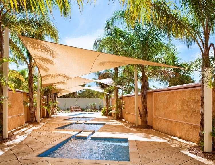 terrasse mit sonnensegel gestalten und an palmen bespannen segelkonstruktionen pinterest. Black Bedroom Furniture Sets. Home Design Ideas