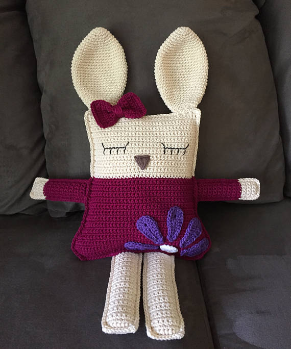 Ragdoll Spring Bunny Free Crochet Pattern • Spin a Yarn Crochet | 684x570