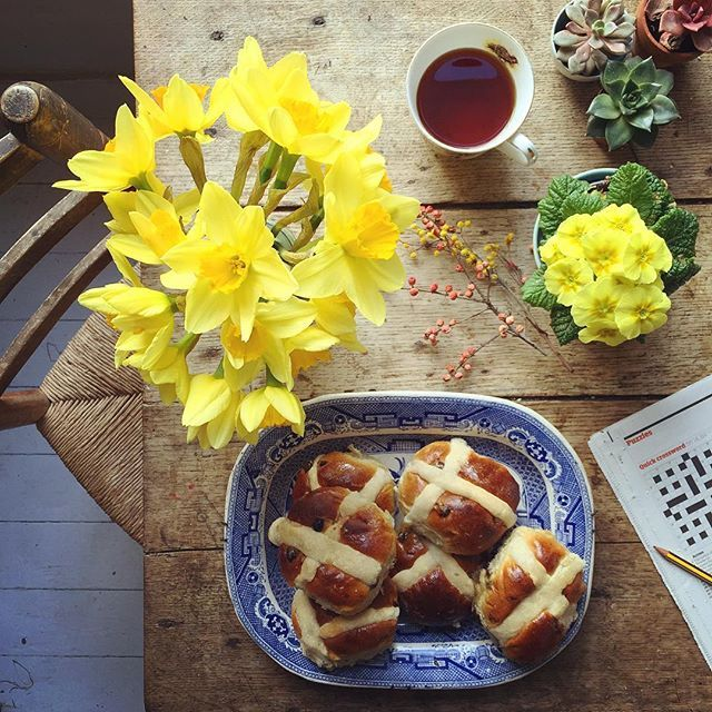 Happy Good Thurseday!! ✨ ...by the way, these are fresh hot cross buns from the old bakers at the end of my road