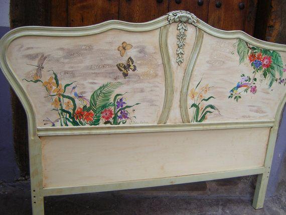 Cabecero de cama 135 cm pintado a mano por katiamarkina en - Baules pintados a mano ...