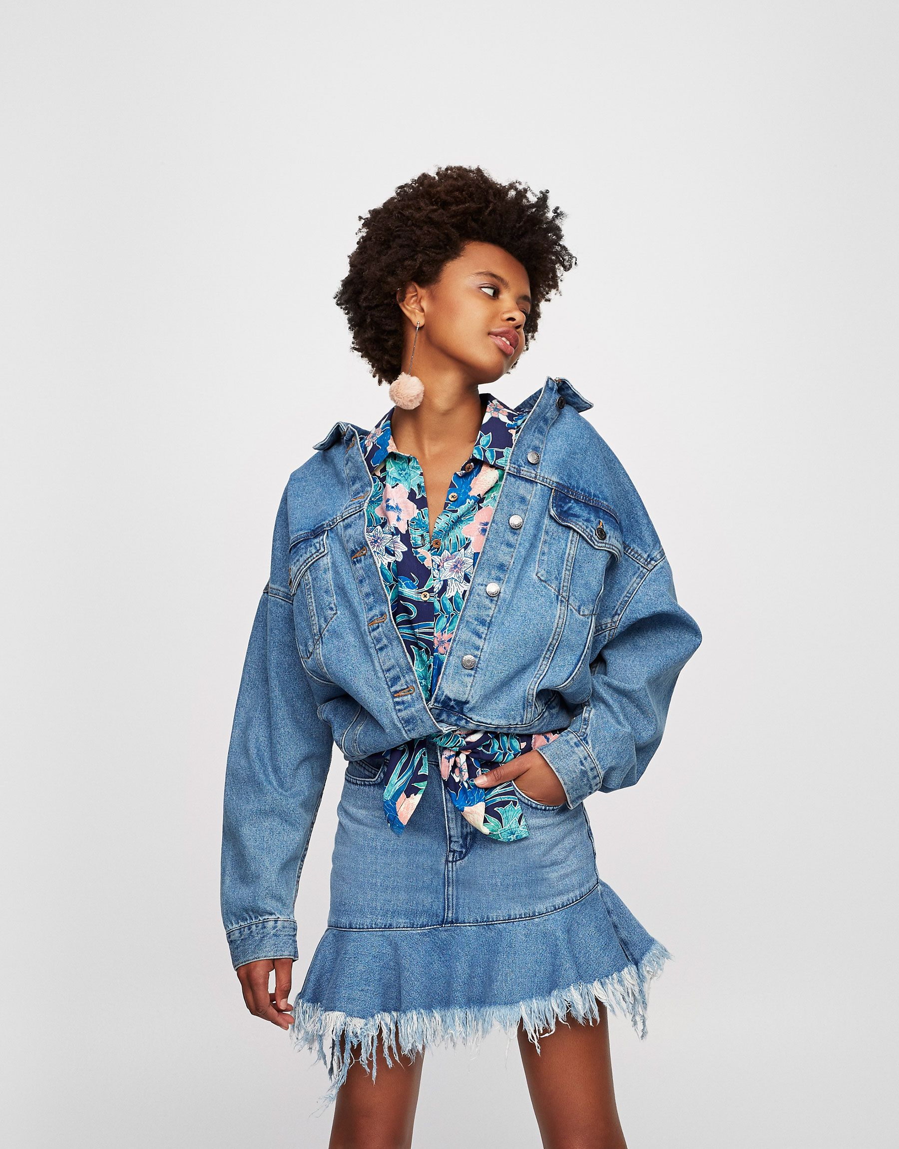 5cb9a9dcfafc Oversized denim jacket with drop shoulders - Denim jackets - Clothing -  Woman - PULL BEAR Hungary