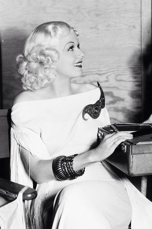 "Jean Harlow. Beauty, class, elegance...I miss ""HOLLYWOOD""...."