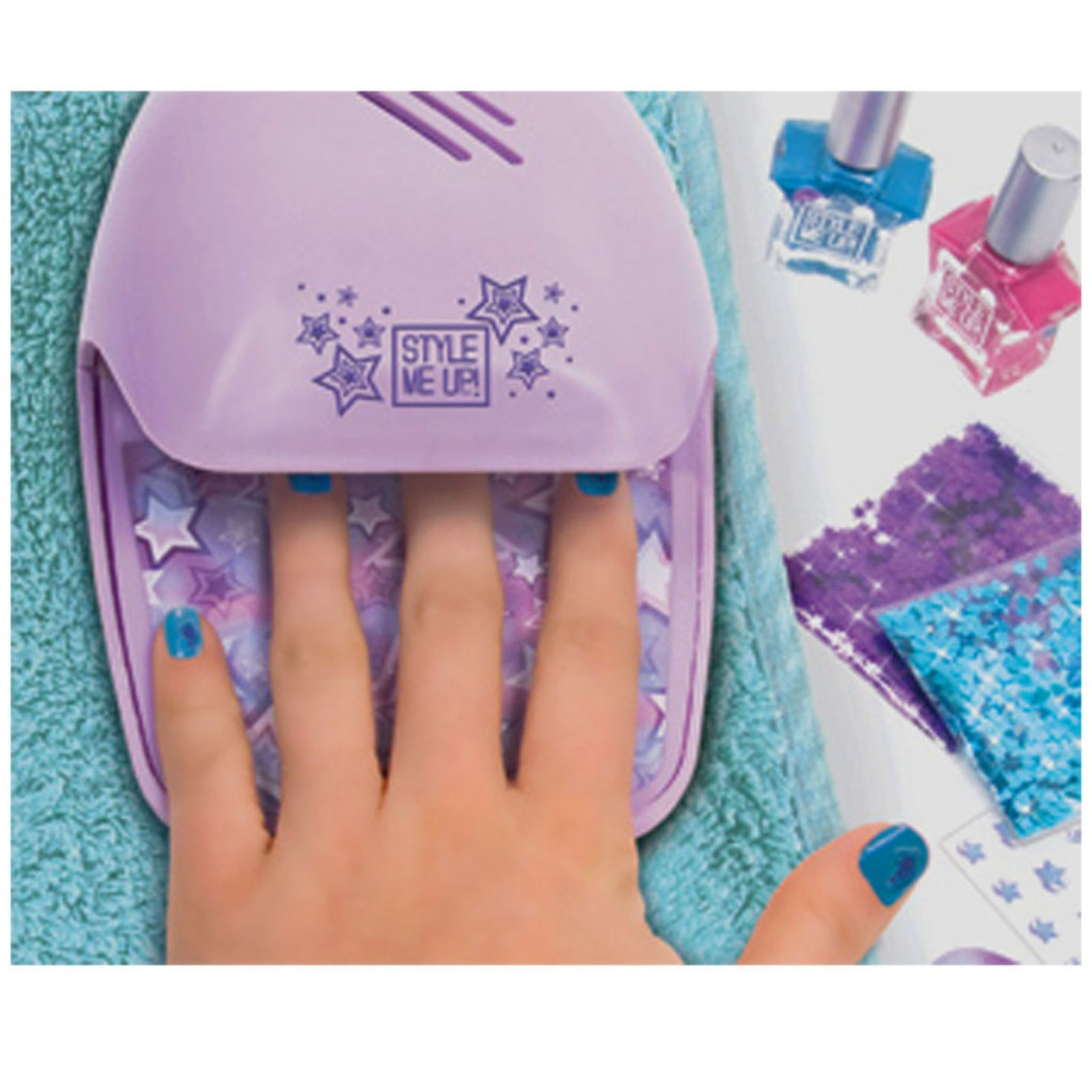 Style Me Up Deluxe Nail Salon Kit  Finger nail and toenail
