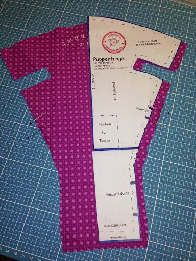 Photo of embroidery: Freebie – doll carrier