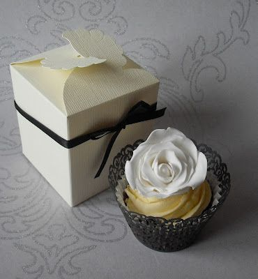 Sugar Ruffles, Elegant Wedding Cakes. Barrow in Furness and the Lake District, Cumbria: Individual Cupcake Wedding Favours