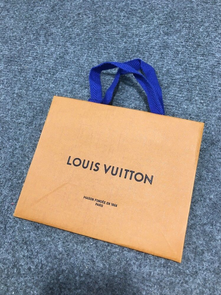e1fe181c6fb1 Louis Vuitton paper Bag Small  fashion  clothing  shoes  accessories   womensbagshandbags (ebay link)