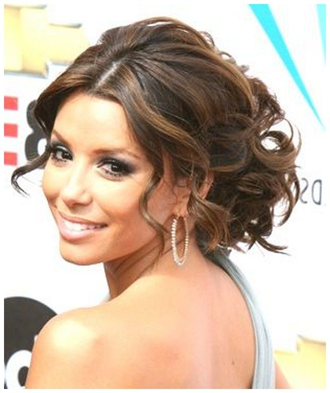 Cute updo hairstyles for a wedding