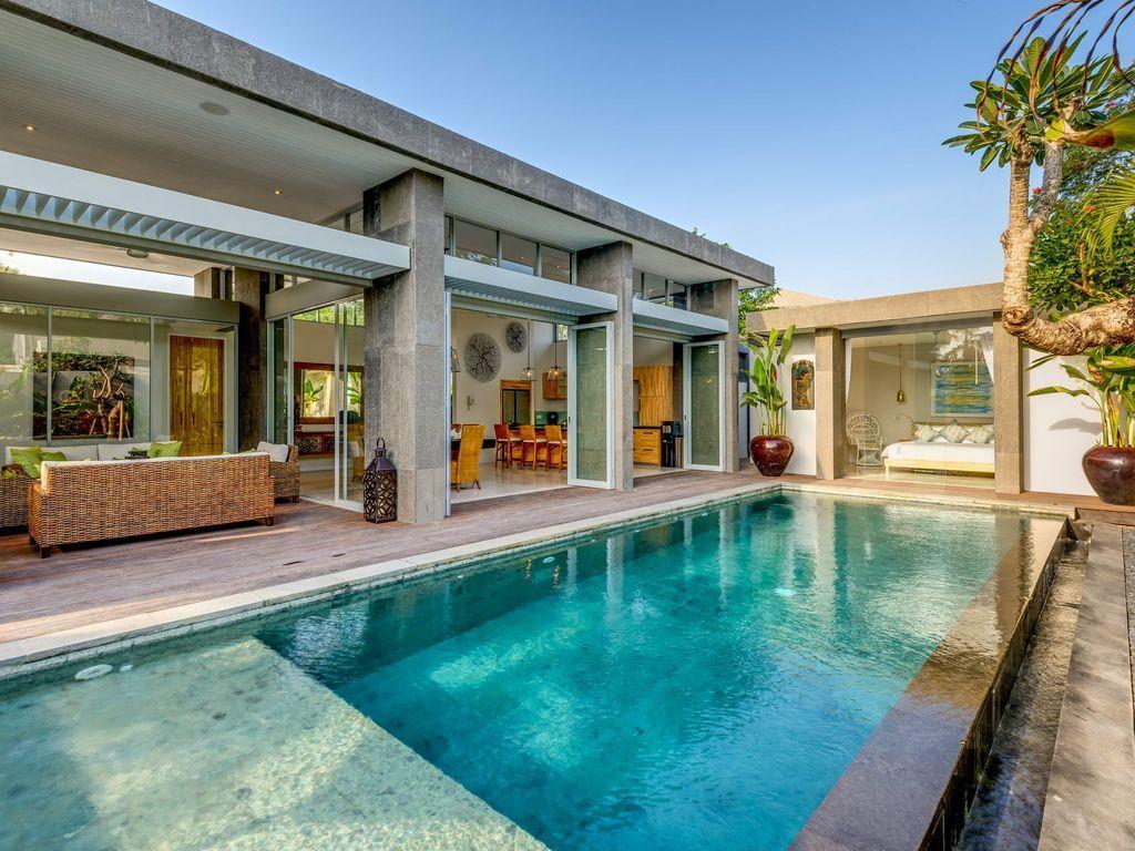 Luxury 4 Bedroom In Seminyak Sunset Road Pool House Designs Swimming Pools Pool Houses