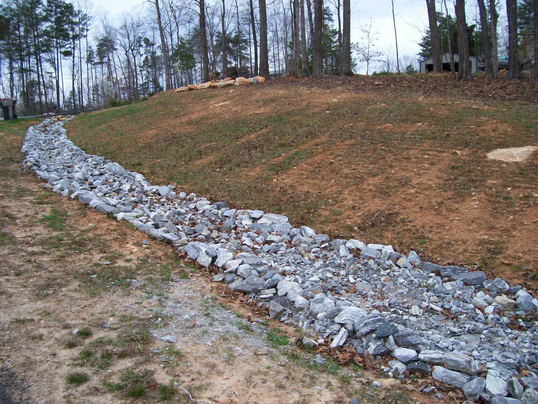 Surge Stone Creek Bed. Dahlonega, GA Dry Creek Beds