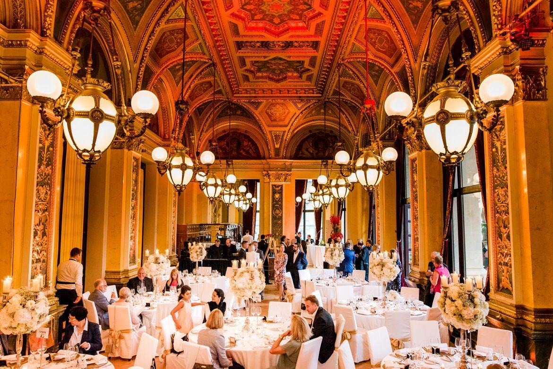 Hochzeit In Der Alten Oper Frankfurt Und Trauung Im Sofitel Frankfurt Mit Bildern Alte Oper Frankfurt Hochzeit Hochzeitsfotografie