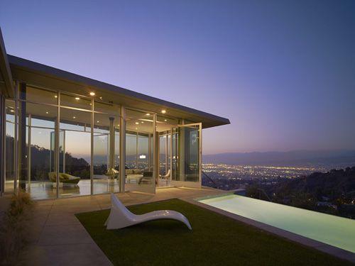 Post Modern House Design On Hollywood Hills