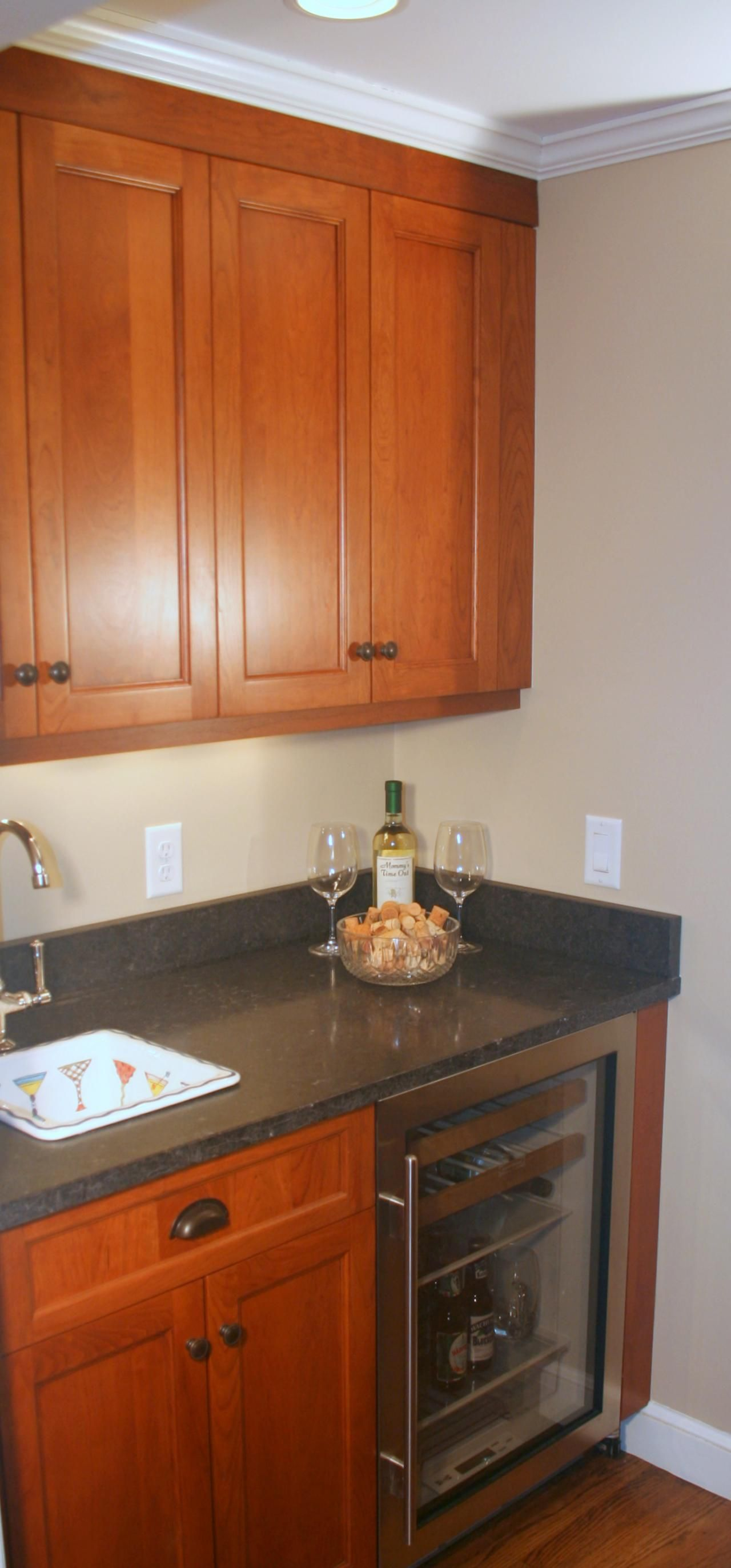 Sink Wall Side Of Wet Bar Kitchen Display Kitchen And Bath Design Cool Kitchens