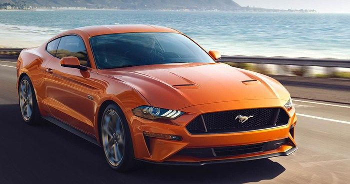 2018 Ford Mustang Gt Might Rev To Roar 7 500 Rpm Cool Sports Cars Ford Mustang Fast Sports Cars
