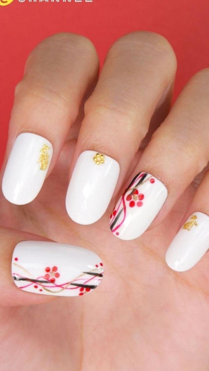 着物にぴったり♡梅の花ネイル 着物にぴったり♡梅の花ネイル #floralnail # #naili
