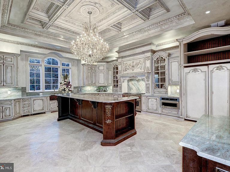 938 Peacock Station Rd, Mclean, VA 22102 | Zillow in 2020 ...