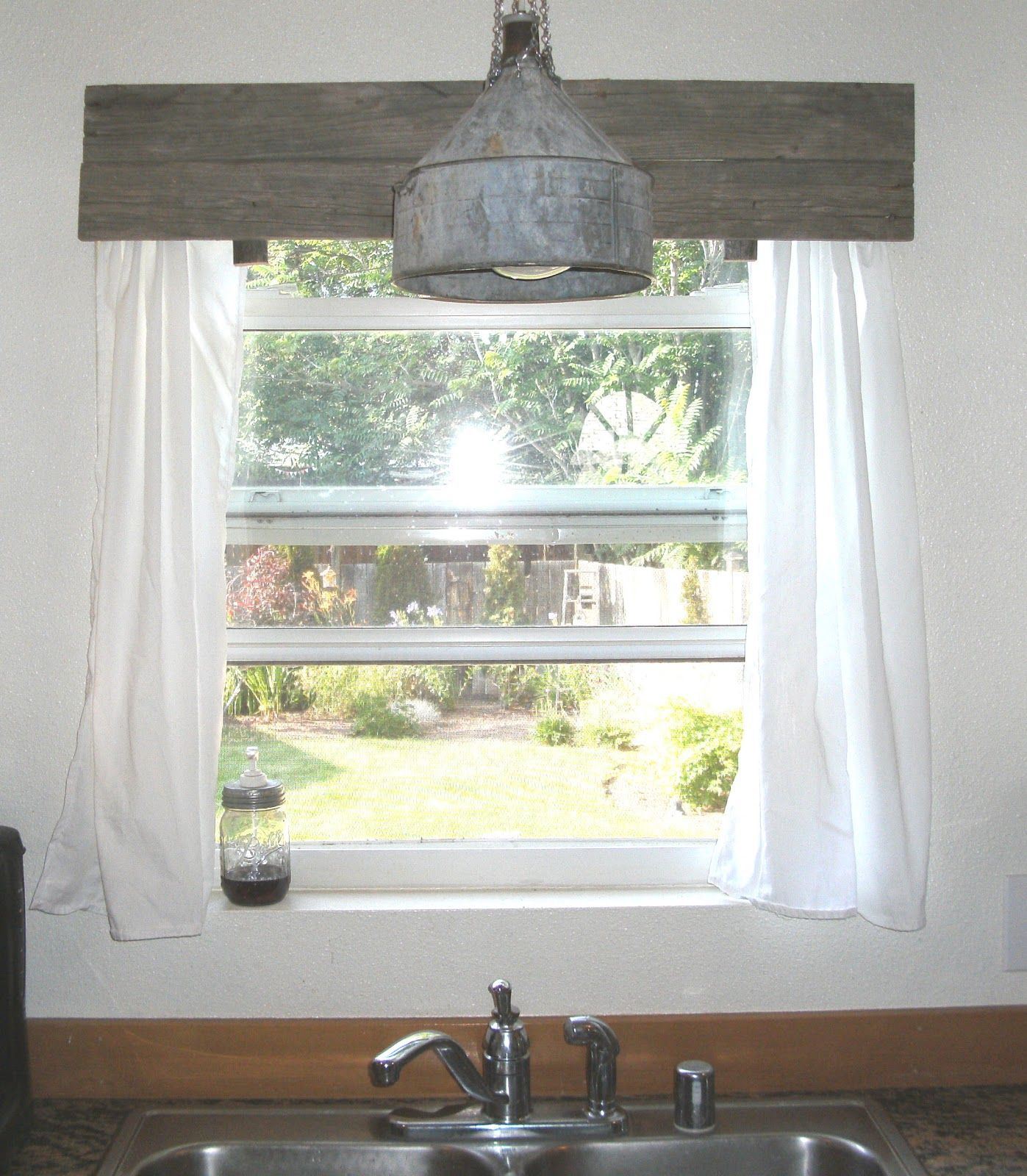 Little Vintage Cottage: Pallet Window Valances