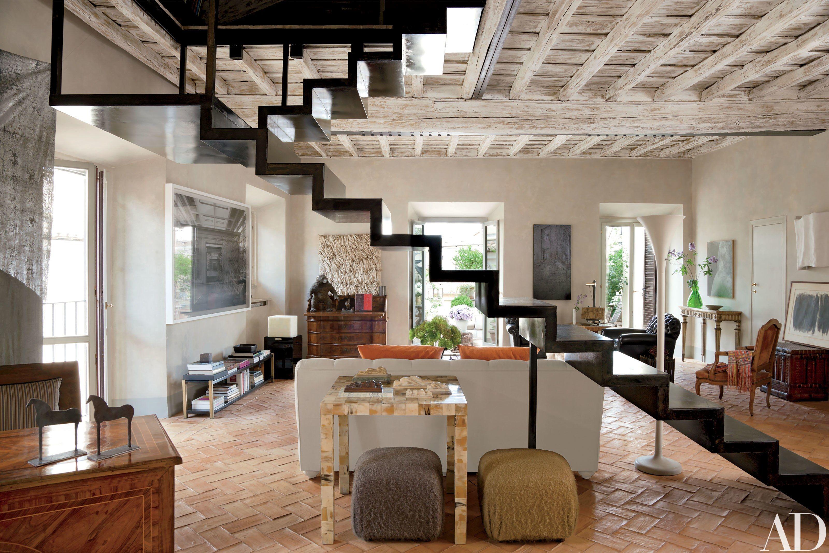 Look inside livia rebecchini s 16th century apartment in for Interior design roma