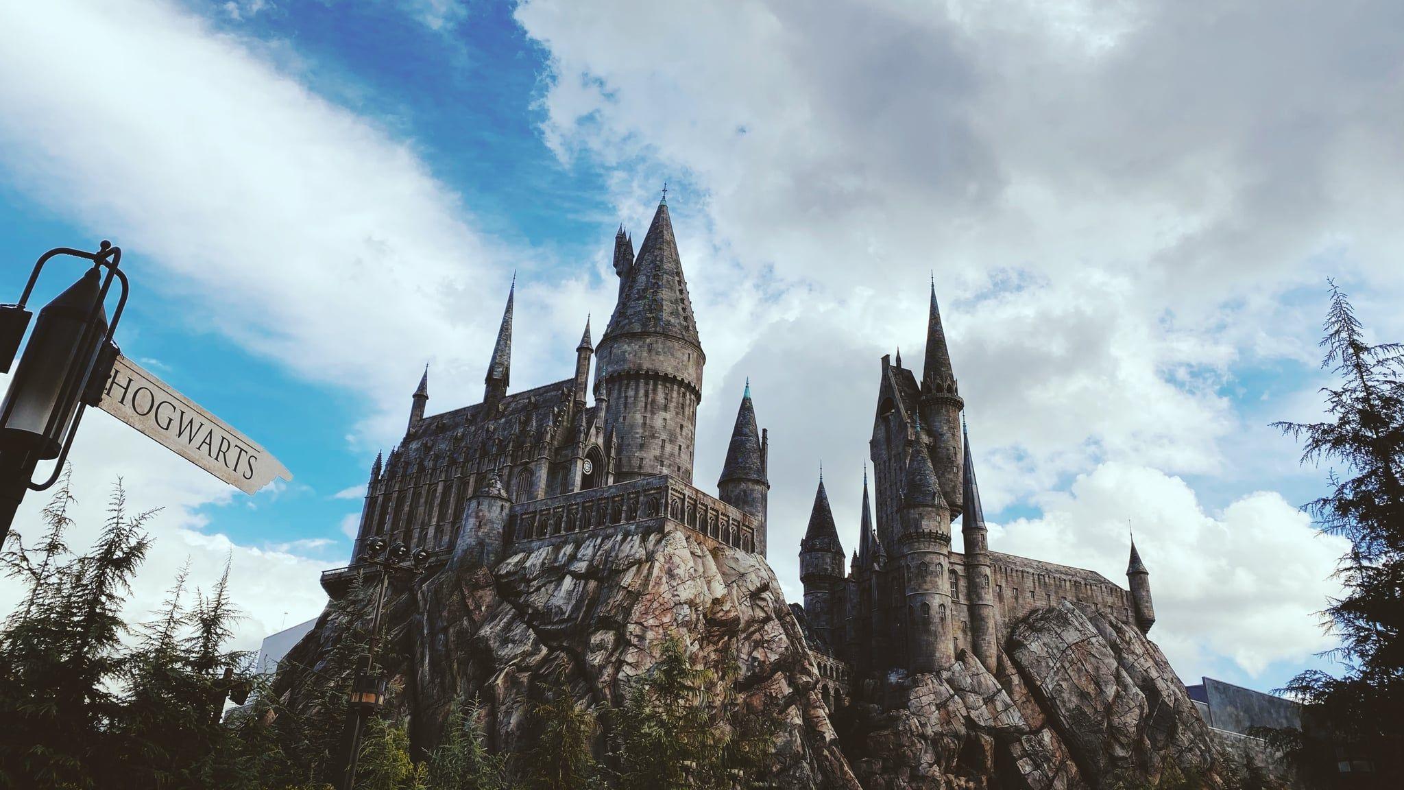 Harry Potter Hogwarts Zoom Background Hogwarts Harry Potter Movies Hogwarts Orlando