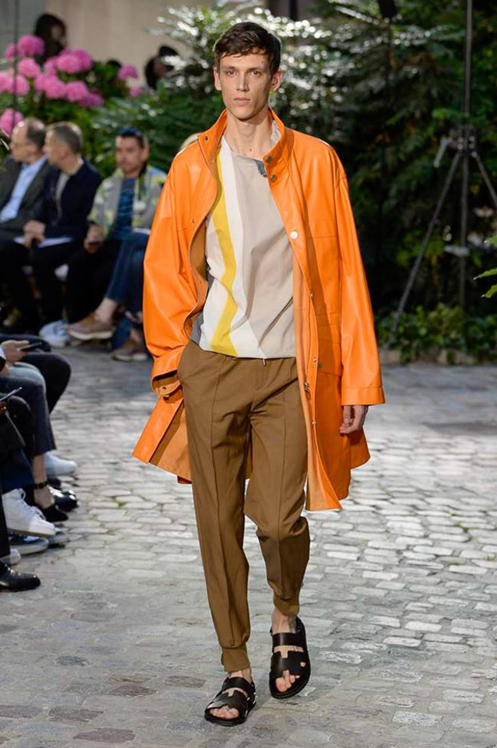 Hermes SpringSummer 2019 RTW Plays With Pops of Colors Fine Tailoring pictures