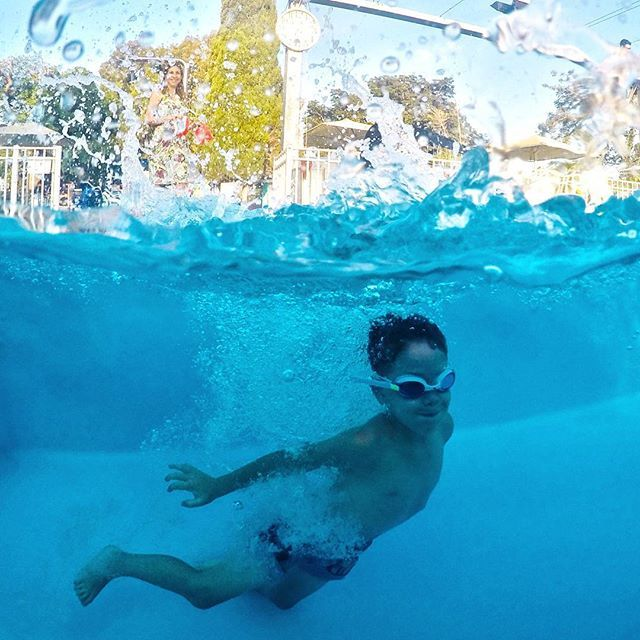 31 Stunning Half Underwater Photos And 6 Gopro Tips For Shooting Your Own Underwater Photos