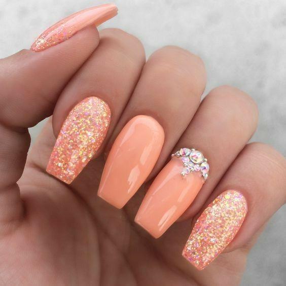 Development Varnish nail polish colours