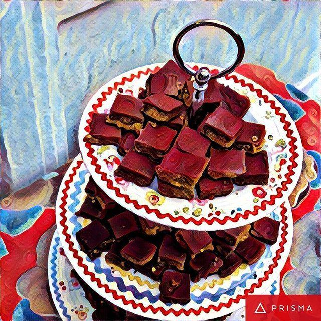 Leve Dona Manteiga para sua Festa. #dadinhodadonamanteiga #petitfour 🌱🐔🐄🍫🍰 @donamanteiga #donamanteiga #danusapenna #amanteigadas #gastronomia #food #bolos #tortas www.donamanteiga.com.br