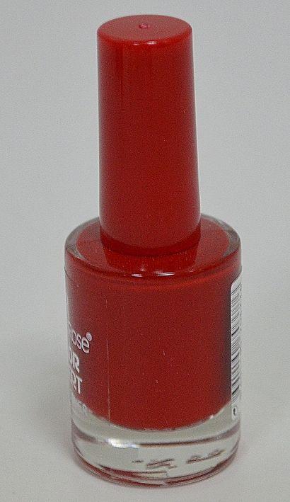 Наситено червен лак за нокти Golden Rose Color Expert. Блясък и издръжливост.
