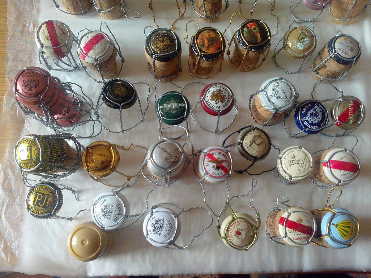 collection de 300 capsules de champagne 250 id es pour la maison pinterest capsule. Black Bedroom Furniture Sets. Home Design Ideas